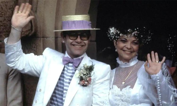 Elton John và Renate Blauel trong ngày cưới. Ảnh: Guardian.
