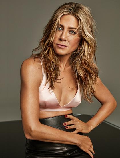 Jennifer Aniston chụp ảnh thời trang ở tuổi 51. Ảnh: Interview.