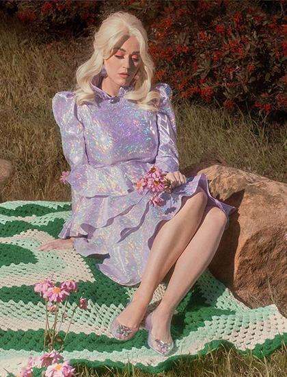 Katy Perry chụp hình cho album sắp ra mắt. Ảnh: Instagram.