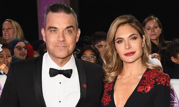 Robbie Williams và vợ Ayda Field. Ảnh: Hello Magazine.