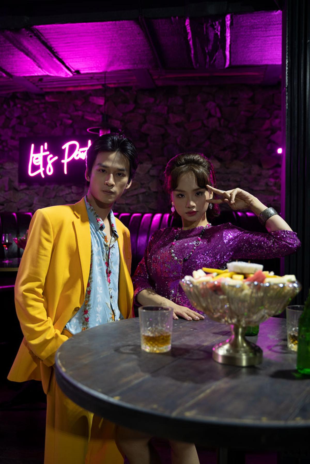 Một cảnh Trần Nghĩa và Miu Lê đi club chơi.