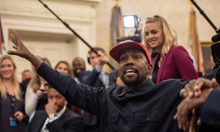 Kanye West trong một cuộc gặp tổng thống Donald Trump tại Nhà Trắng năm ngoái. Ảnh: Washington Post.