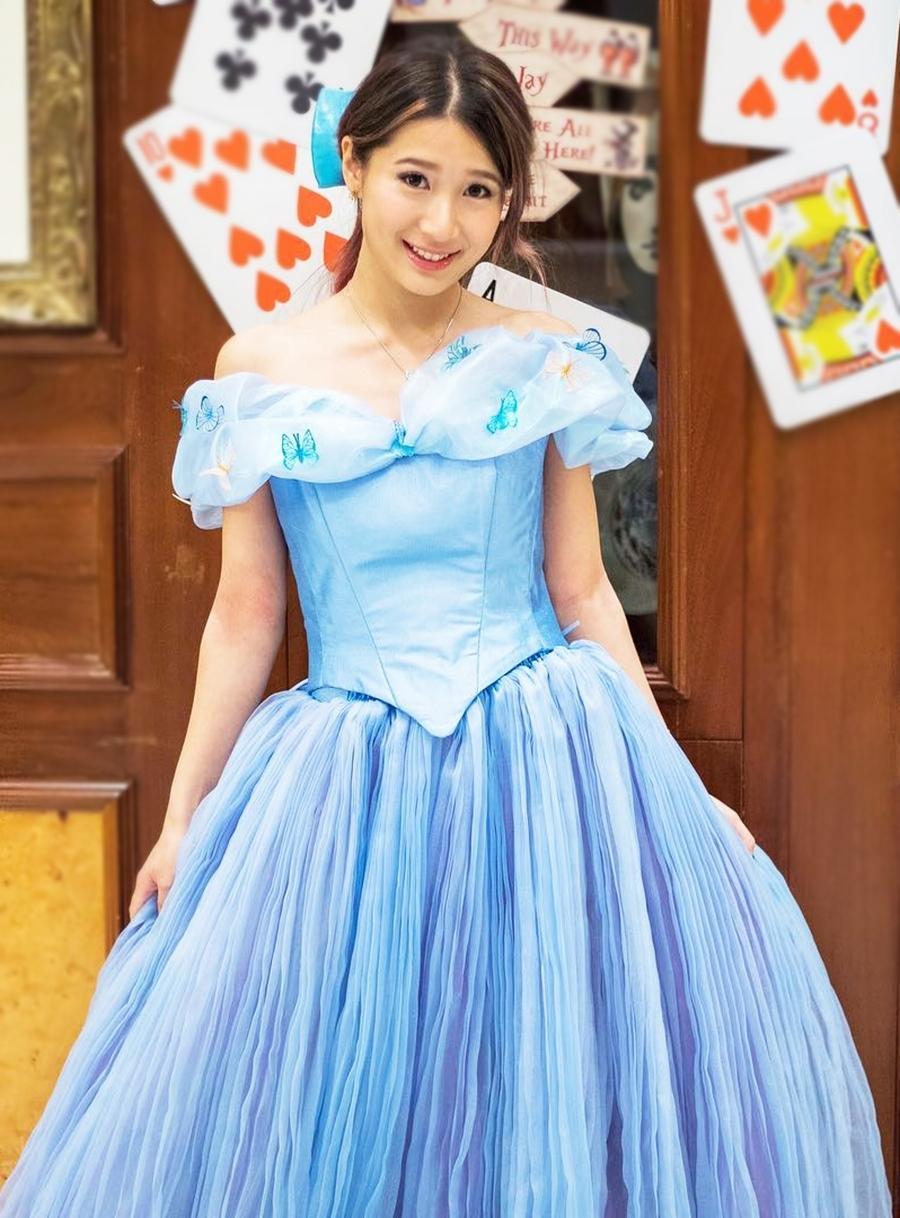 Trên Weibo, nhiều khán giả nhận xét cô có nhiều nét giống Chung Gia Hân và Huỳnh Thúy Như. Jocelyn gây ấn tượng với đôi mắt to và nụ cười rạng rỡ.