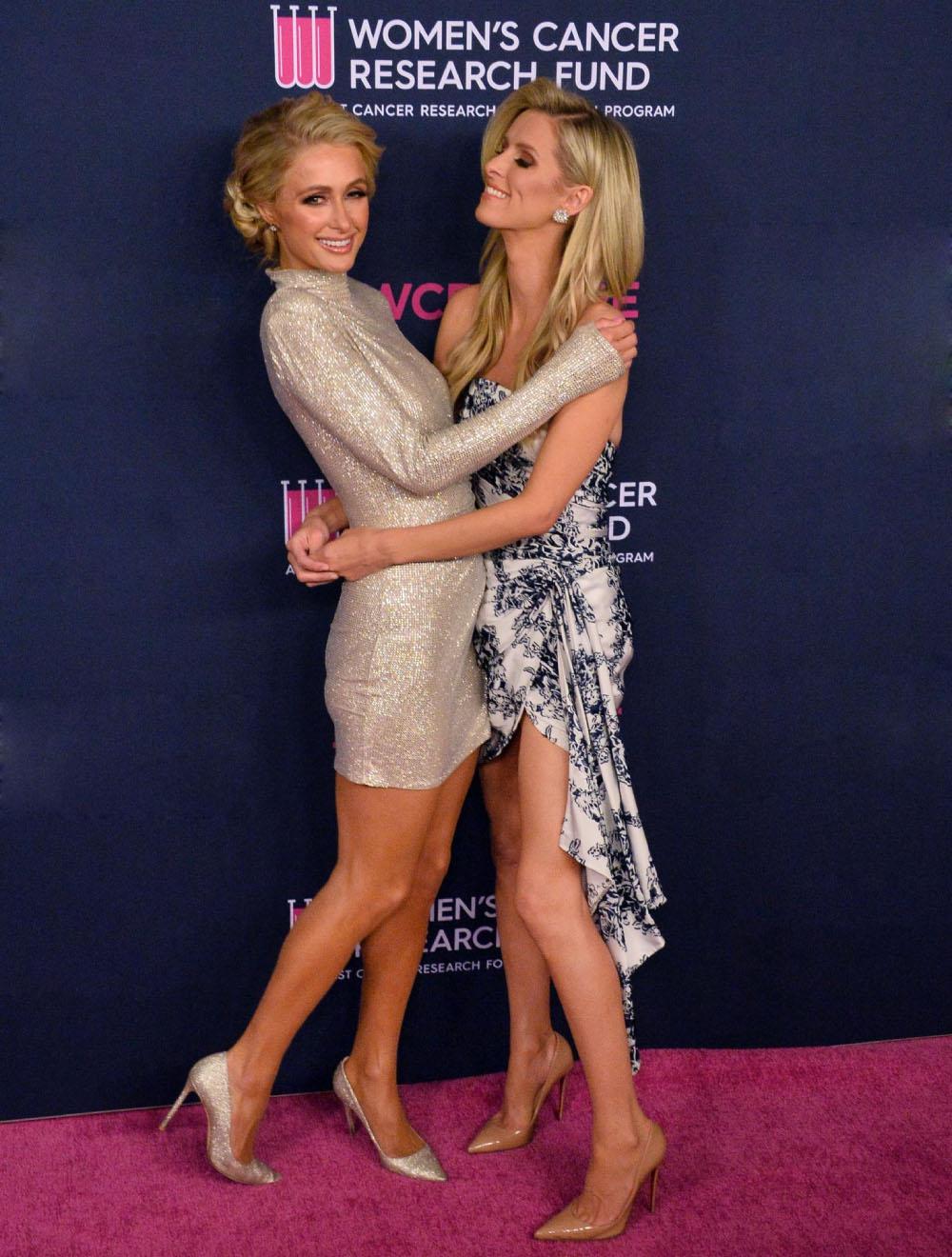 Nữ hoàng tiệc tùng Paris Hilton chuộng váy sequin - 4