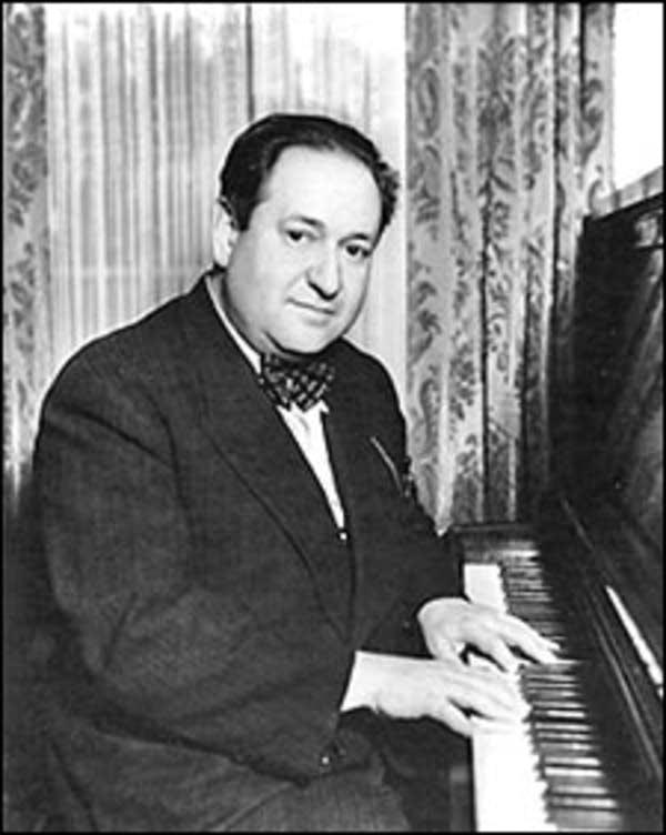 Erich Wolfgang Korngold sinh năm 1897, mất năm 1957. Ảnh: Schott Music Gmbh &Co.