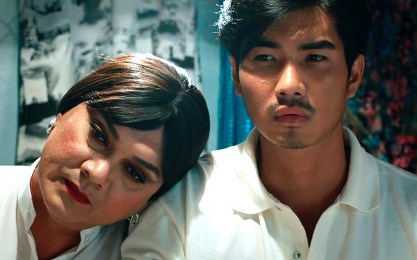 Trịnh Xuân Nhản từng đóng Lô tô bên NSƯT Hữu Châu (trái). Ảnh: CGV.