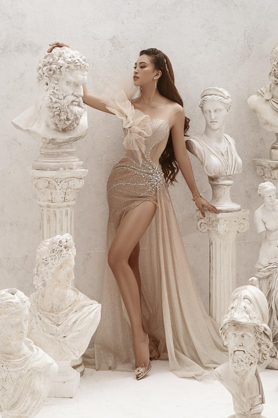 Hoa hậu Tiểu Vy lẽ ra sẽ trình diễn trong show của nhà thiết kế Anh Thư vào tối 2/8. Ảnh: Milor.
