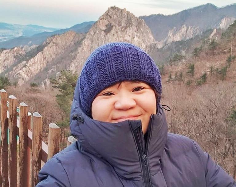 Lee Sang Ok trong chuyến đi nghỉ dưỡng cùng bạn đầu năm 2019.