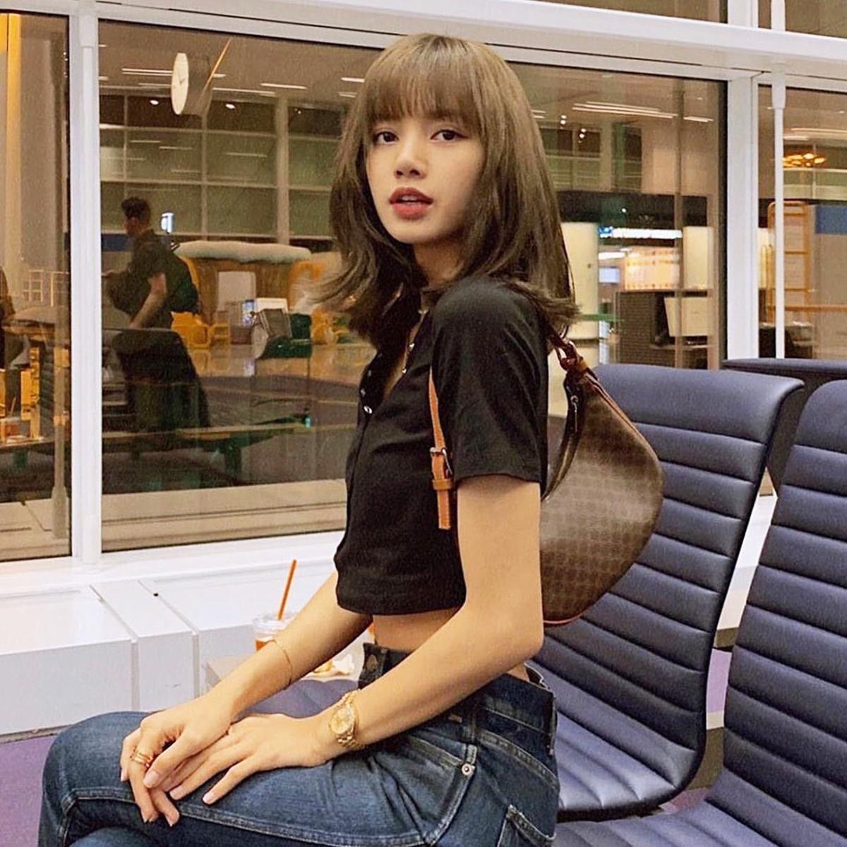 Sao Hoa - Hàn phối đồ với túi hình bán nguyệt - 12