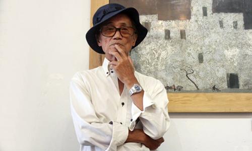 Hoạ sĩ Trịnh Thái ở triển lãm tại TP HCM năm 2017. Ảnh: Diễm Mi.