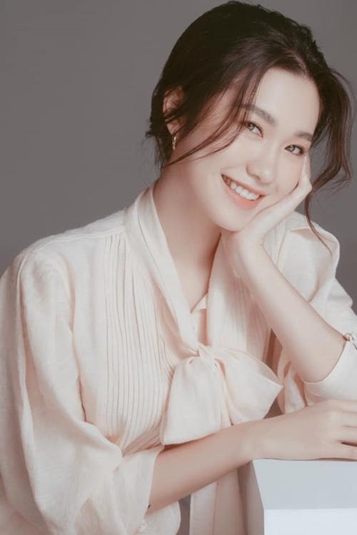 Trên fanpage cuộc thi, nhiều khán giả khen ngợi nhan sắc thuần Việt của cô gái Hà Nội và đánh giá cô là một trong những ứng viên nổi bật nhất trong vòng hồ sơ.