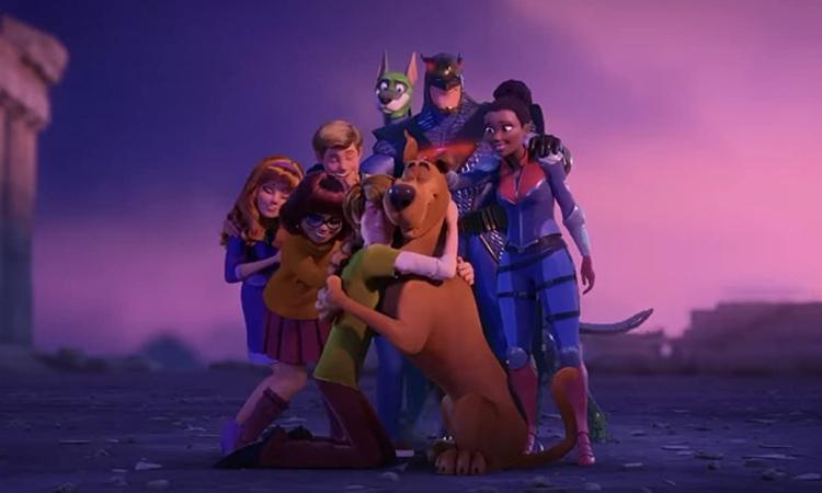 Nhóm bạn Scooby-Doo hợp tác cùng đội anh hùng Blue Falcon trong phần phim mới. Ảnh: Warner Bros.