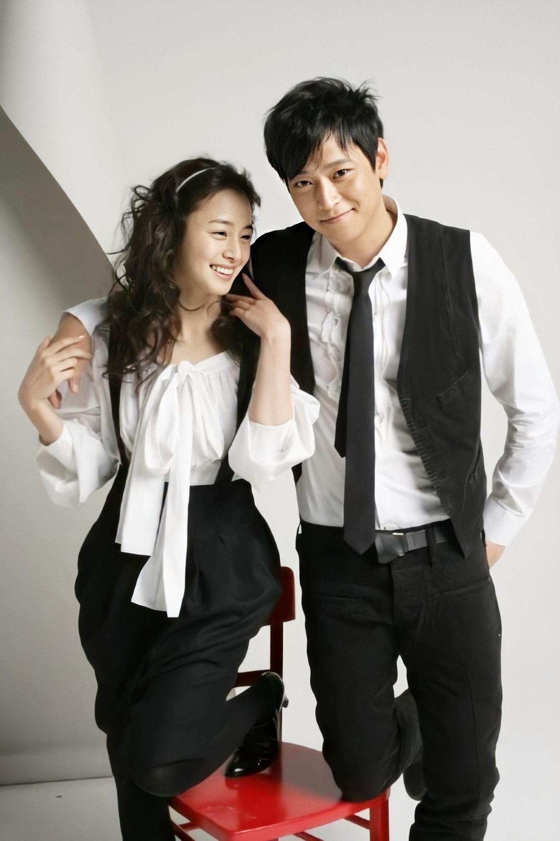 Tài tử cùng Kim Tae Hee hợp tác trong một quảng cáo điện thoại hồi năm 2006.
