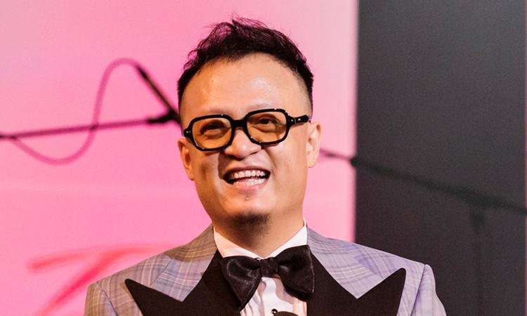 Nghệ sĩ Tuấn Nam trong đêm nhạc.