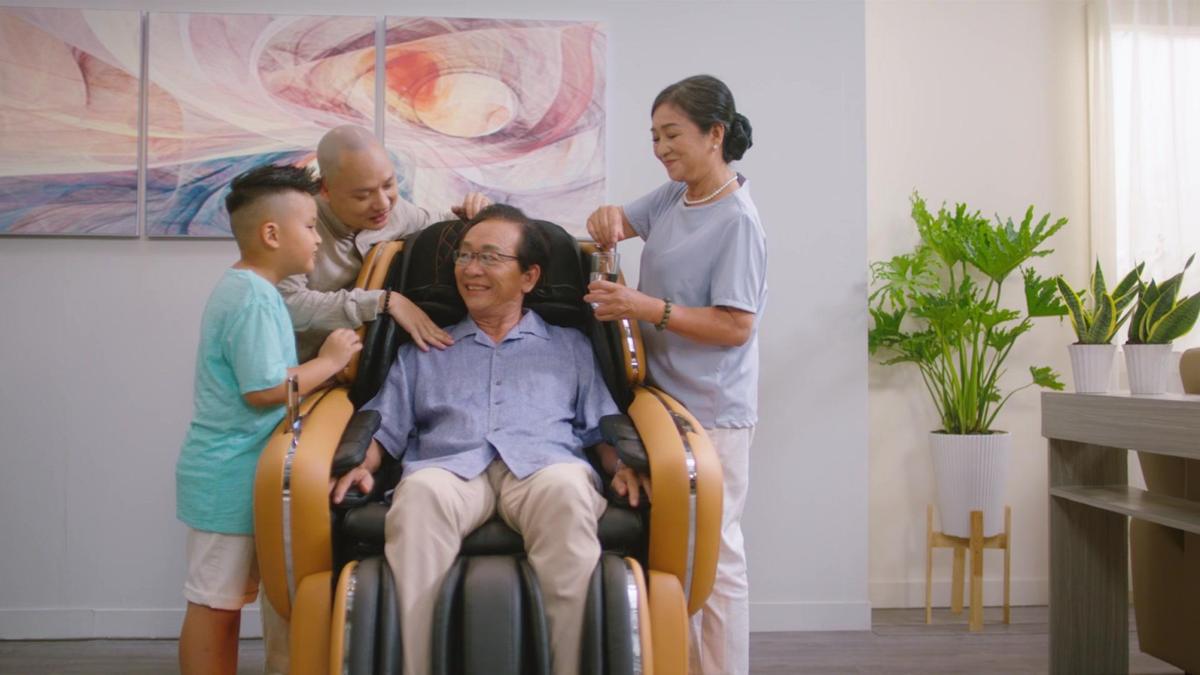 MV muốn nhắn nhủ bậc làm con hãy báo hiếu cha mẹ khi còn có thể.