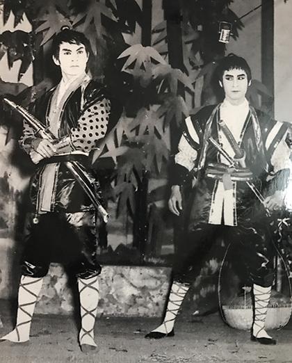 NS Nam Hùng và NS Thành Được vở Trăng sương cầu Trúc (năm 1966). Ảnh Huỳnh Công Minh