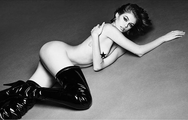 Kaia Gerber đăng ảnh nude trên Instagram. Ảnh: Vogue.