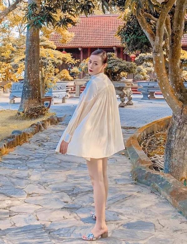 Phương Oanh tại khu nghỉ dưỡng hôm 2/9. Hiện cô dành nhiều thời gian nghỉ ngơi, tận hưởng cuộc sống. Ảnh: Nhân vật cung cấp.