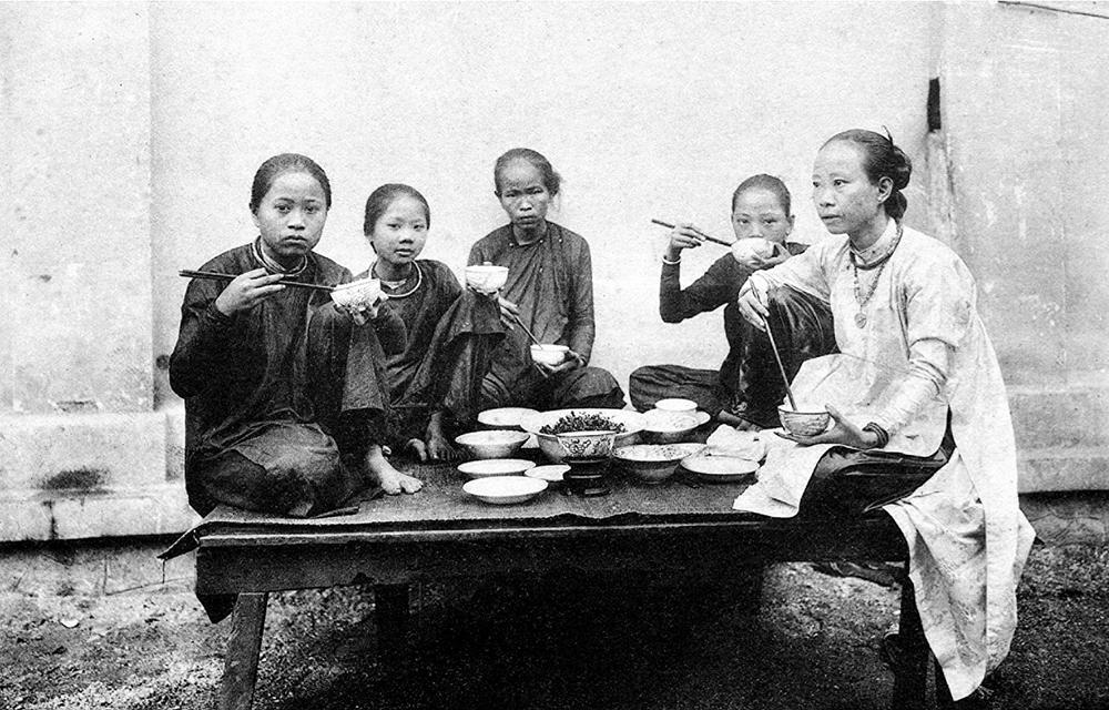 Một bữa cơm của gia đình miền Nam.