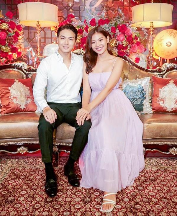 Vợ chồng Jay Quân - Chúng Huyền Thanh tham dự đêm nhạc Love songs của ca sĩ Hồ Ngọc Hà tối 11/9. Ảnh: Thành Luân.