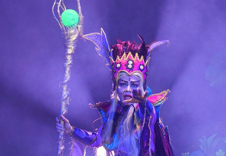 Tạo hình phù thủy trong vở Công chúa Tóc Mây. Ảnh: Hoàng Duẩn.