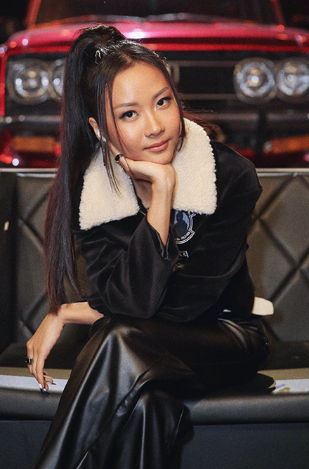 Suboi tên thật là Hàng Lâm Trang Anh. Nghệ danh Suboi của cô ghép từ tên thân mật ở nhà - Su - và từ boi được biến thể từ boy (con trai), ám chỉ cô có tính cách mạnh mẽ, hành xử như con trai. Ảnh: Vie Channel.