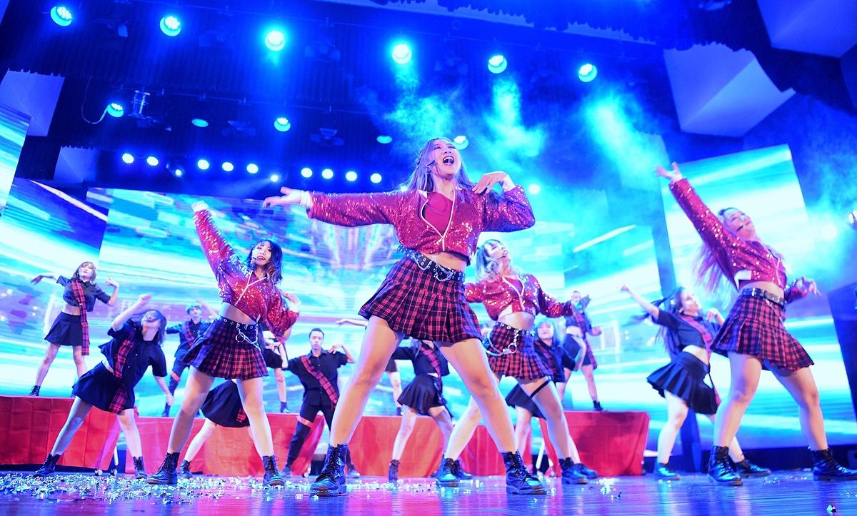 BAAT (Học viện Ngân hàng) là Quán quân Kpop Dance For Youth 2019.