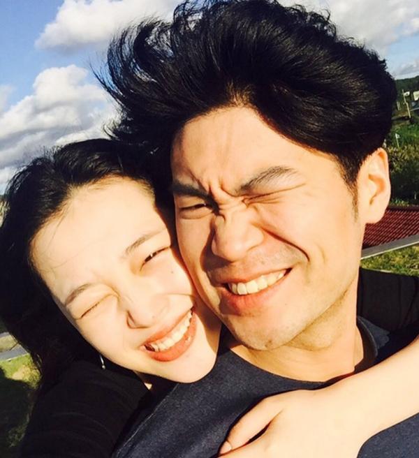 [Sulli rạng rỡ bên Choiza thời còn yêu nhau: Ảnh chụp màn hình Instagram Jinri.