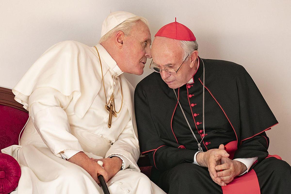 Phim The two popes. Diễn viên chính Jonathan Pryce, Anthony Hopkins, đạo diễn Fernando Meirelles, biên kịch Anthony McCarten là người da trắng. Ảnh: TIFF.