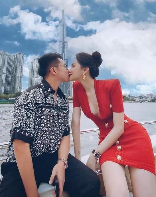 Hương Giang và bạn trai vừa đi lấy ôtô tám tỷ đồng ngày 14/4. Cô gọi đây là món quà đặc biệt nhưng không nói được ai tặng. Ảnh: Instagram Matt Liu.