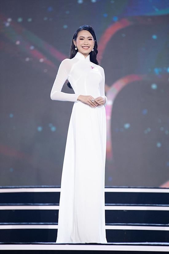 Doãn Hải My là một trong số các ứng viên sáng giá của Hoa hậu Việt Nam 2020 nhờ nét đẹp Hà Nội thanh lịch, học giỏi. 12 năm liền, cô là học sinh giỏi, đỗ vào chương trình Chất lượng cao của Đại học Luật Hà Nội. Điểm IELTS của cô là 7,0, trình độ tiếng Trung giao tiếp.