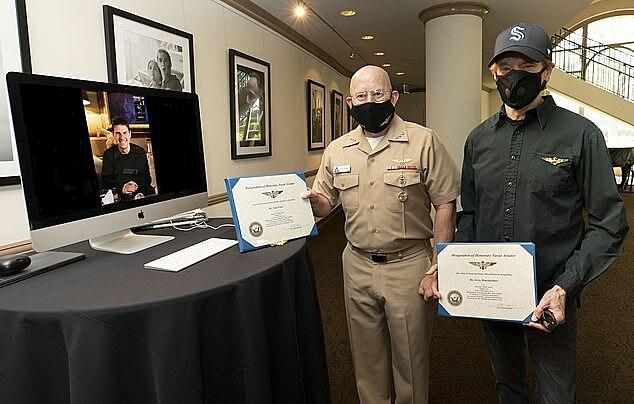 Tom Cruise nhận danh hiệu danh giá thông qua hình thức trực tuyến. Ảnh: ABImages.