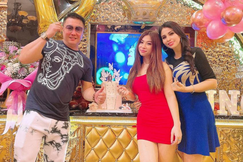 Từ trái sang: Lý Hùng, Princess Lam và Lý Hương. Ảnh: Facebook Lý Hương.