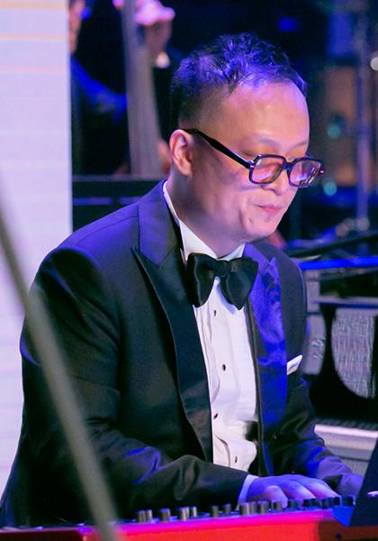Nghệ sĩ Tuấn Nam trong đêm Nam jazz night. Ảnh: Cẩm Thơ.