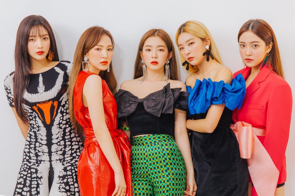 Irene (giữa) sinh năm 1991, là thành viên của nhóm nhạc Hàn Quốc Red Velvet. Cô được khen ngợi nhờ tài năng và nhan sắc. Ảnh: SM.