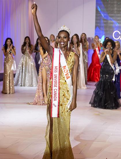 Theo Conandaily, tối 24/10, Nova Stevens đăng quang trong chung kết Hoa hậu Hoàn vũ Canada, giành suất đại diện quốc gia tham gia cuộc thi quốc tế dự kiến diễn ra năm sau.