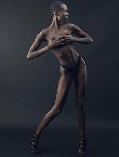 Người đẹp 27 tuổi cao 1,83 m, hiện làm mẫu thời trang tại Canada.