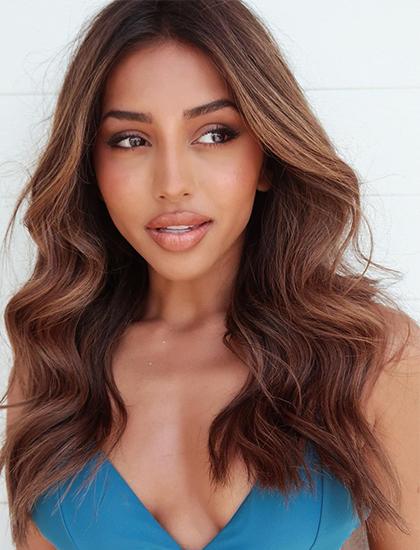Người đẹp từng tốt nghiệp đại học Melbourne, hiện làm trong lĩnh vực quảng cáo và tiếp thị.