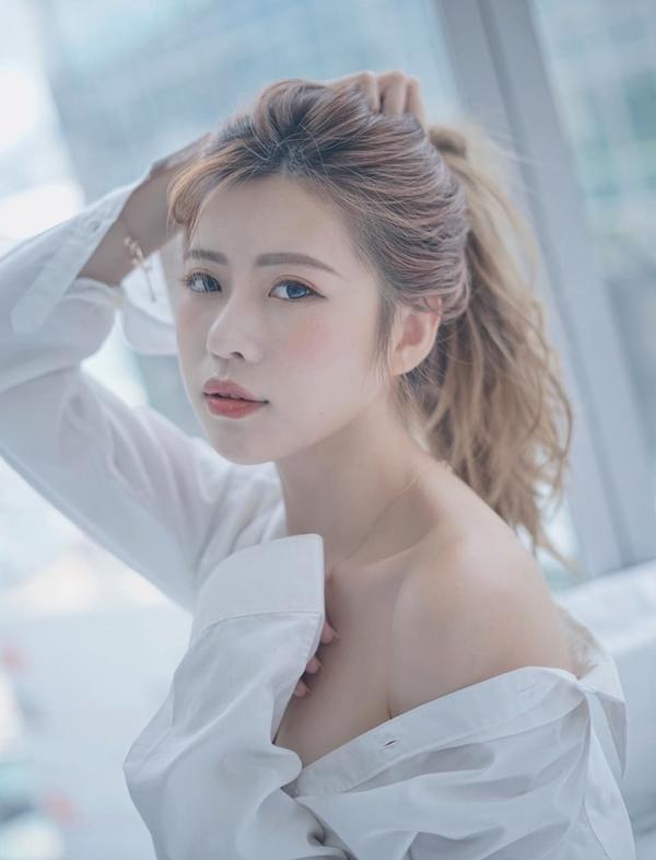 Tân Hoa hậu tốt nghiệp ngành Tâm lý học, trường Hong Kong Institute of Vocational Education, hiện là người mẫu tự do. Ảnh: Facebook Kimi Cai.