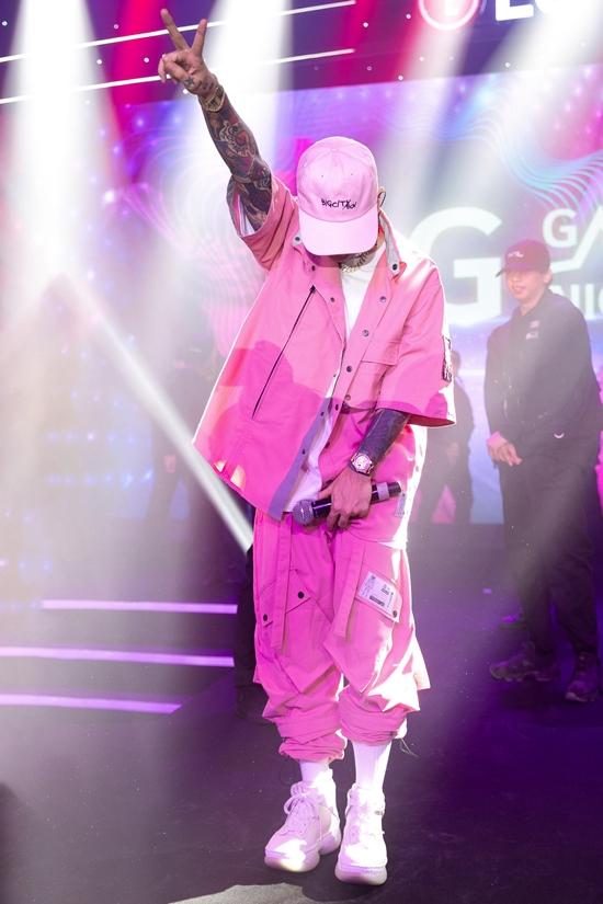 Binz - rapper nghiện màu hồng - 10