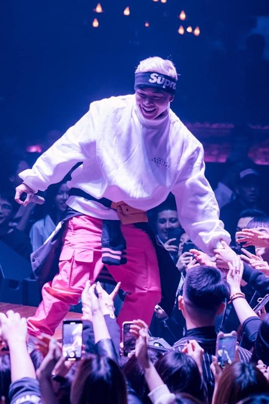 Binz - rapper nghiện màu hồng - 8