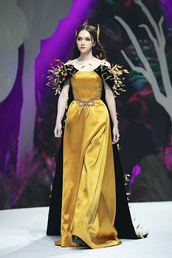 Sau khi vedette tại Vietnam Junior Fashion Week tối 30/10, Hương Giang im lặng cho đến nay.
