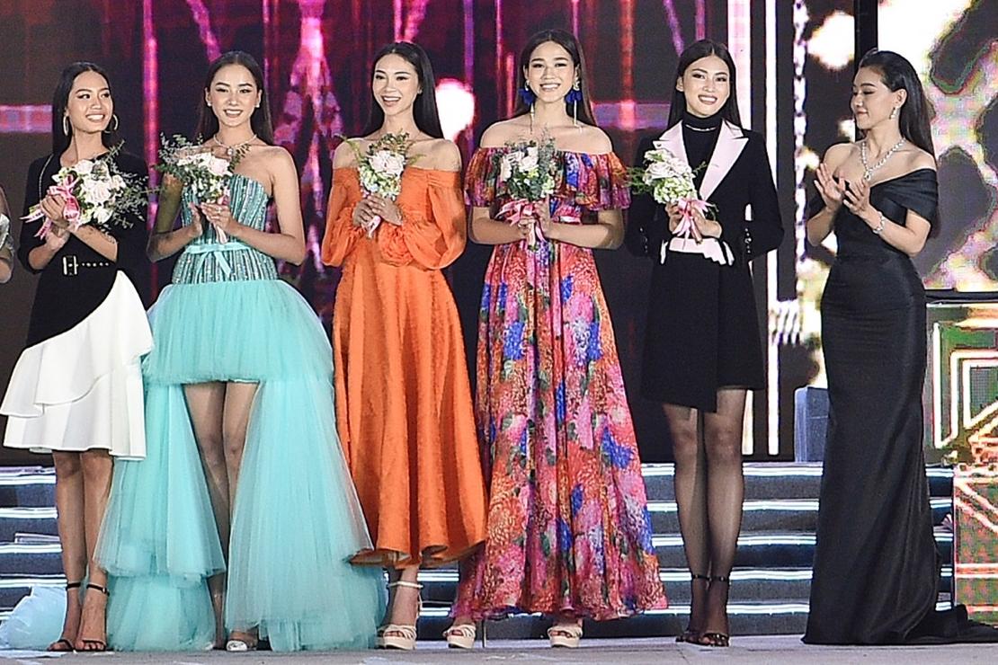 Top 5 Người đẹp Thời trang (từ trái sang): Nguyễn Thị Thanh Nhàn,