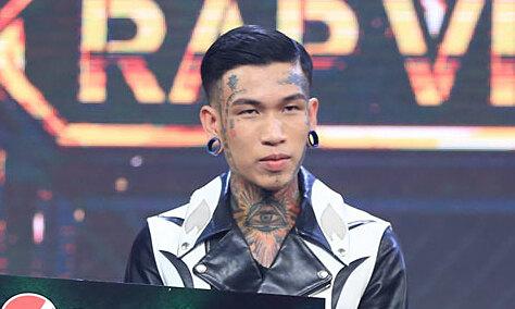 Dế Choắt trong đêm chung kết Rap Việt tối 14/11. Ảnh: Vie Channel.