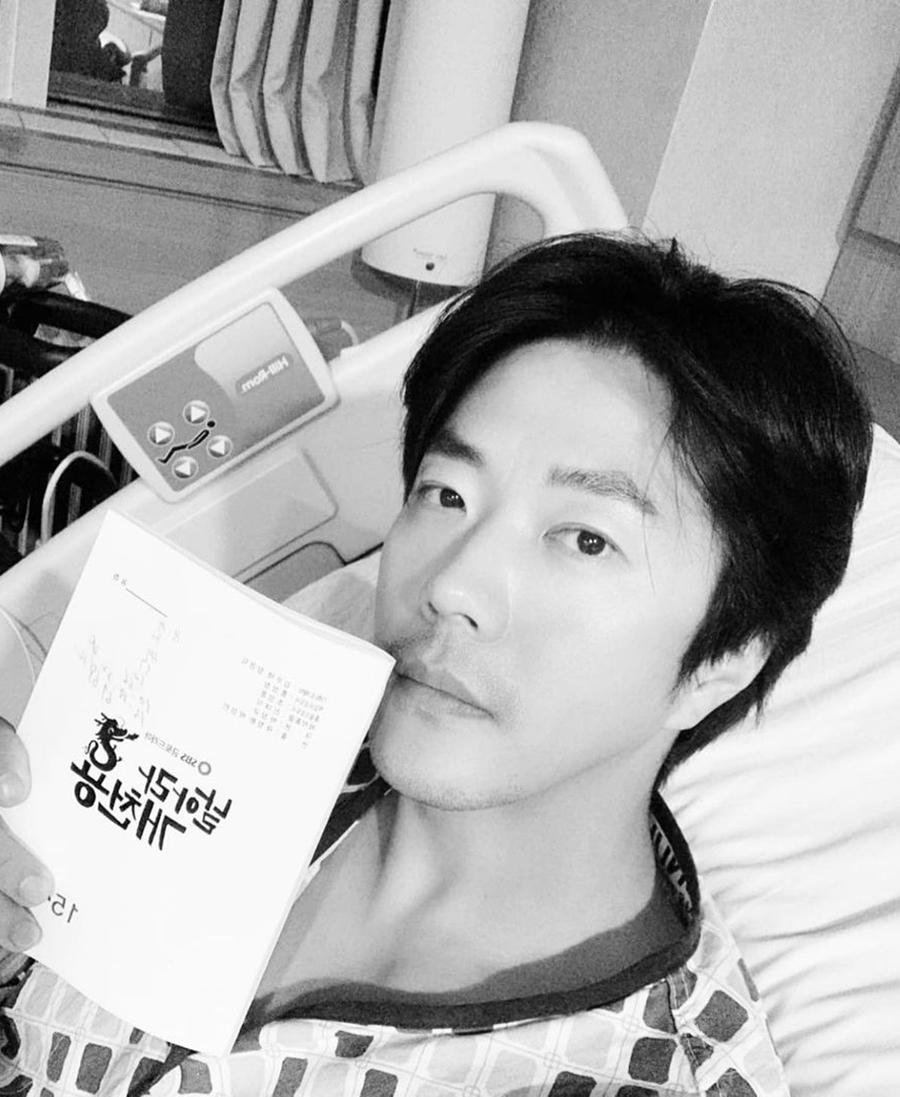 Kwon Sang Woo hồi phục sau phẫu thuật