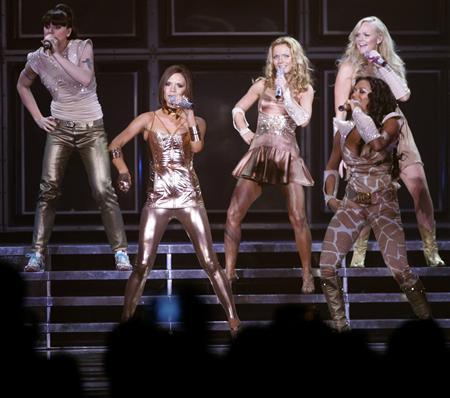 Trang phục biểu diễn The Return of the Spice Girls Tour (2007 – 2008) là đồ đặt riêng do Cavalli thiết kế. Ảnh: Reuters.