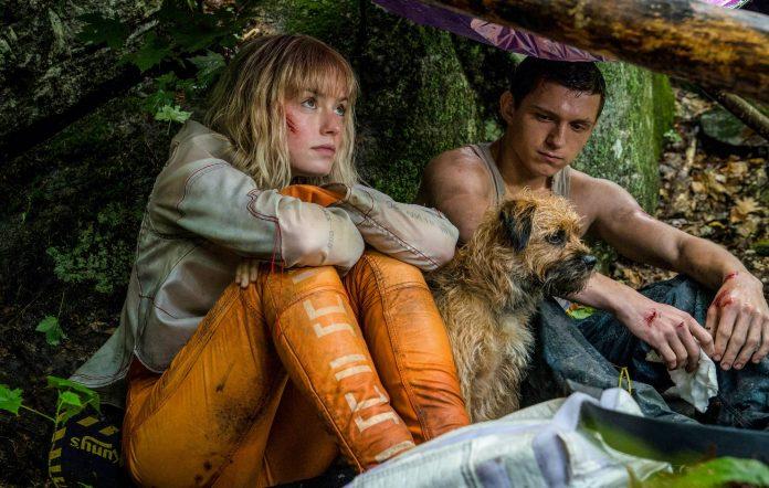 Tom Holland (phải) và Daisy Ridley trong phim. Ảnh NME.