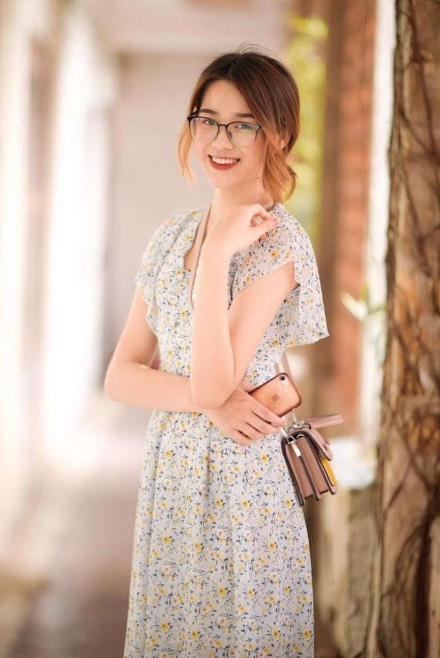 Những mẫu váy voan in hoa