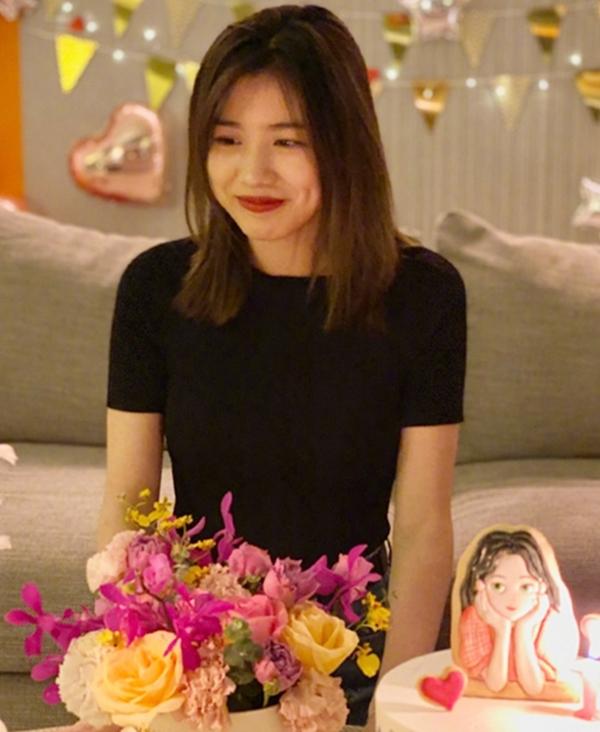 Apple là con gái riêng của Uông Phong và Cát Hội Tiệp. Ảnh: Weibo Tử Di.