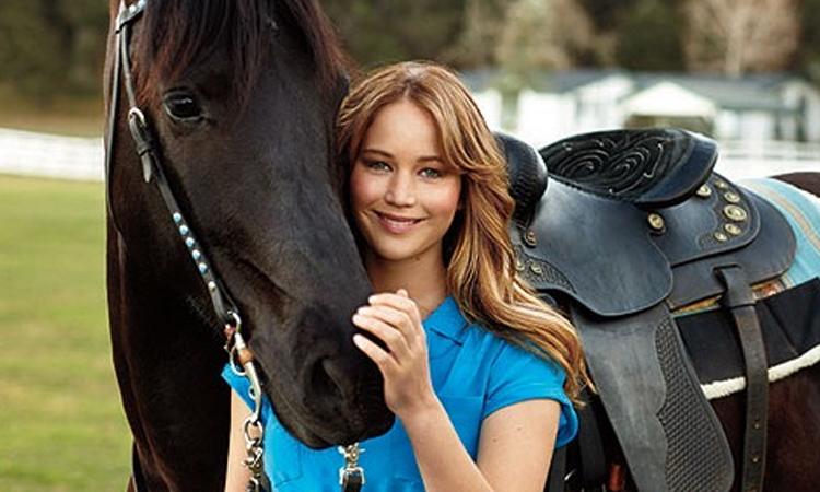 Jennifer Lawrence tại trang trại của gia đình năm 2012. Ảnh: Seventeenth.
